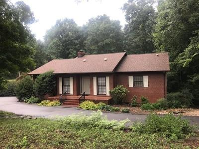Seneca, Seneca/west Union Single Family Home For Sale: 311 Hickory Lane