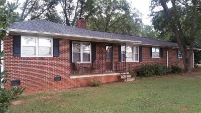 Single Family Home For Sale: 1302 Easley Highway