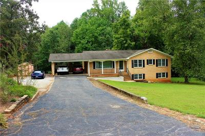 Seneca Single Family Home For Sale: 5035 Forest Drive