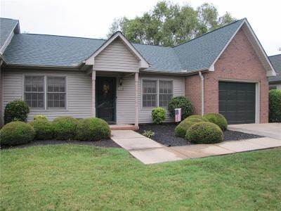 Easley Townhouse Contract-Right of Refusal: 108 Pinnancle Lane