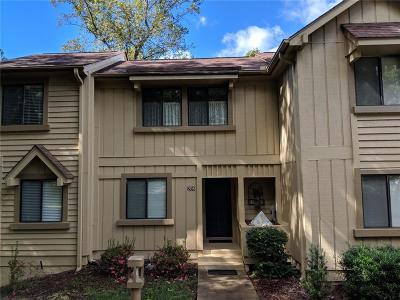 Keowee Key Townhouse Contract-Take Back-Ups: 208 Harbor Cove Drive