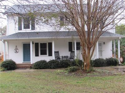 Easley Single Family Home For Sale: 120 Creek Drive