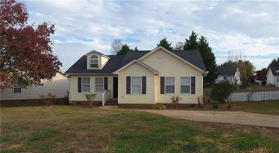 Easley SC Single Family Home For Sale: $135,000