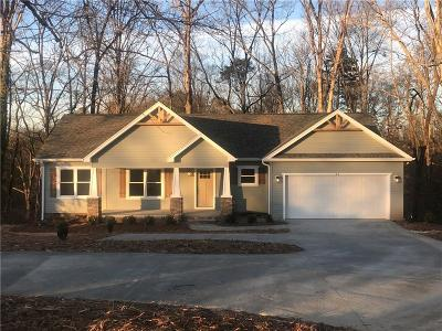 Walhalla Single Family Home For Sale: 102 Parkview Drive