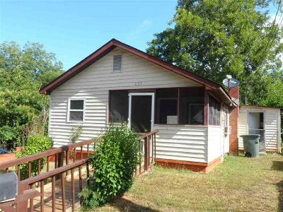 Seneca SC Single Family Home For Sale: $57,900
