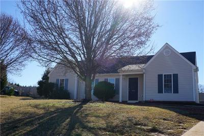 Pendleton Single Family Home For Sale: 104 Wyndham Drive