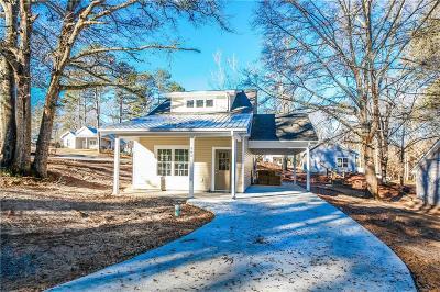 Walhalla Single Family Home For Sale: 305 E Woodland Drive
