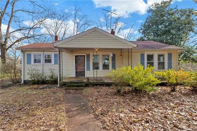 Easley Single Family Home For Sale: 703 Zion School Road