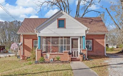Lavonia Single Family Home For Sale: 187 Peachtree Street
