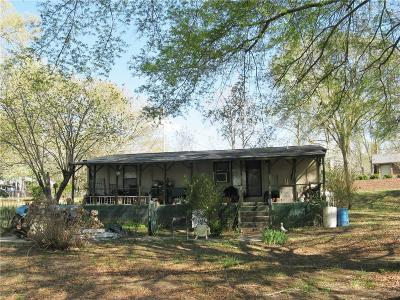 Mobile Home For Sale: 334 Stokes Hollow Road