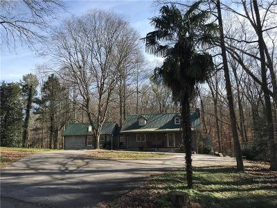 Seneca Single Family Home For Sale: 630 Lands End Road