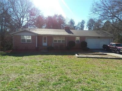 Easley Single Family Home For Sale: 323 Mary Ann Street