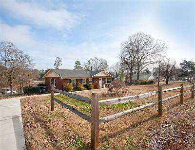 Lavonia, Martin, Toccoa, Hartwell, Lake Hartwell, Westminster, Anderson, Fair Play, Starr, Townville, Senca, Senea, Seneca, Seneca (west Union), Seneca/west Union, Ssneca, Westmister, Wetminster Single Family Home For Sale: 227 Points End