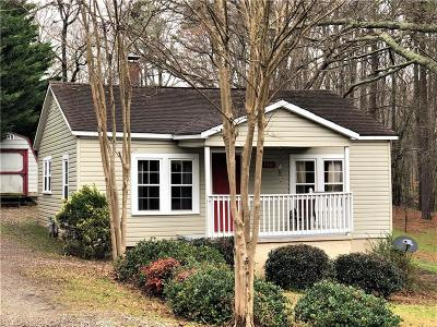 Single Family Home For Sale: 330 Odell Street