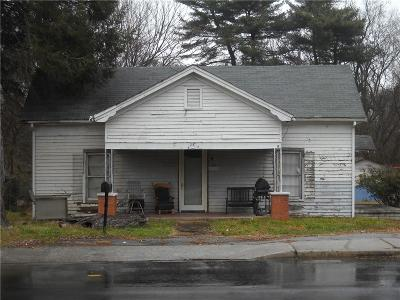 Seneca, Seneca/west Union Single Family Home For Sale: 725 E Main Street