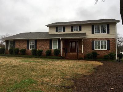 Single Family Home For Sale: 2509 Saxony Drive