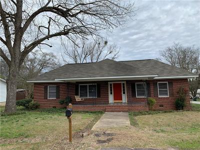 Single Family Home For Sale: 511 S Piedmont Street