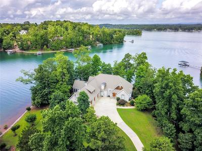 The Summit, Eastshores, Keowee Subdivision, White Oak Cliff, shangri-la, shangrila, Lakewood Estate, Sugar Hill, Port Santorini, Lakeview Height, Eleven Oaks, Waterford Sub, Waterford Pointe - Oconee Single Family Home For Sale: 610 S Acorn Way