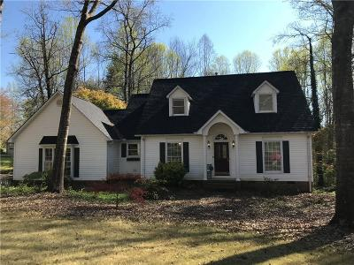 Easley Single Family Home For Sale: 111 Shadow Oaks Drive