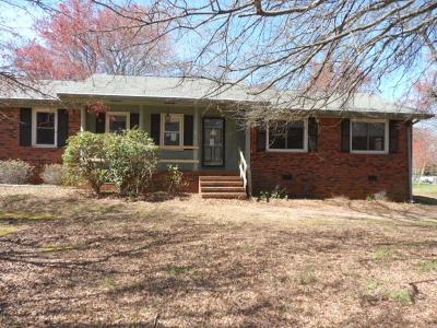 Single Family Home For Sale: 105 Donaree Drive