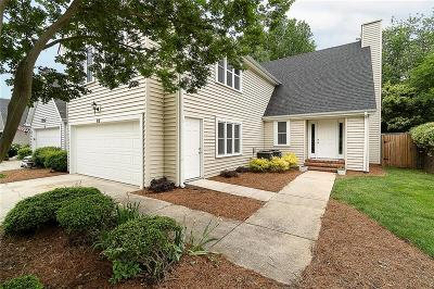 Greenville County Single Family Home For Sale: 82 Forest Lake Drive