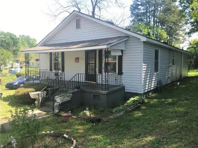 Single Family Home For Sale: 306 Cherry Avenue