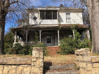 Single Family Home For Sale: 421 East Orr Street