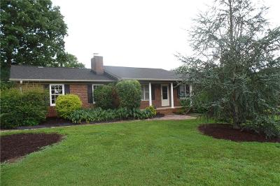 Easley Single Family Home For Sale: 209 Hickory Drive