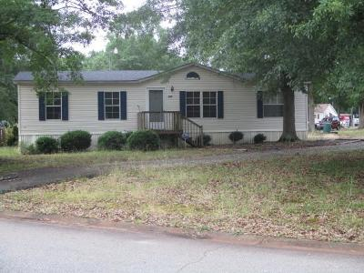 Mobile Home For Sale: 702 Sterling Drive