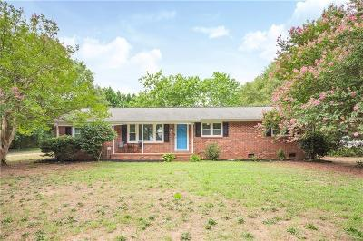 Belton Single Family Home For Sale: 208 Skyland Drive