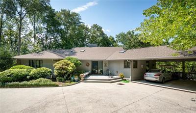 Single Family Home For Sale: 32 Beacon Ridge Circle