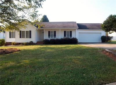 Easley Single Family Home For Sale: 203 Peppercorn Way