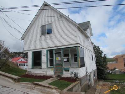Single Family Home For Sale: 318 W Addie St