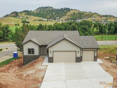 Spearfish Single Family Home For Sale: 1506 Woods Edge Ct