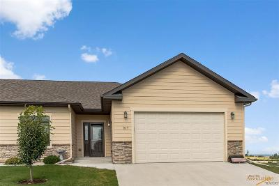 Spearfish Single Family Home For Sale: 517 Falcon Crest Dr
