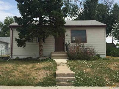 Rapid City, Box Elder, Piedmont, Black Hawk, Hermosa, Summerset, New Underwood Single Family Home For Sale: 1022 Halley Ave