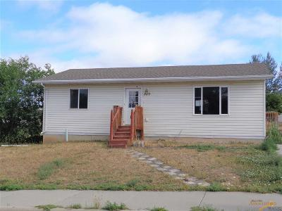 Rapid City, Box Elder, Piedmont, Black Hawk, Hermosa, Summerset, New Underwood Single Family Home For Sale: 220 Doolittle
