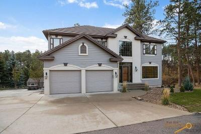 Rapid City, Hermosa, Box Elder, Black Hawk, Rapid Valley, Summerset, Piedmont, Piedmont Valley Single Family Home For Sale: 8525 Kings Ct