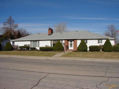 Rapid City Single Family Home For Sale: 902 St Francis