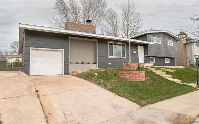 Rapid City Single Family Home For Sale: 2946 Country Club Dr
