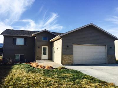 Spearfish Single Family Home For Sale: 1723 Iron Horse Loop