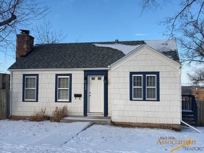 Single Family Home U/C Contingency: 102 Quincy