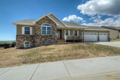 Rapid City Single Family Home For Sale: 633 Conestoga Ct