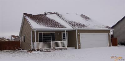 Single Family Home For Sale: 5212 Savannah St