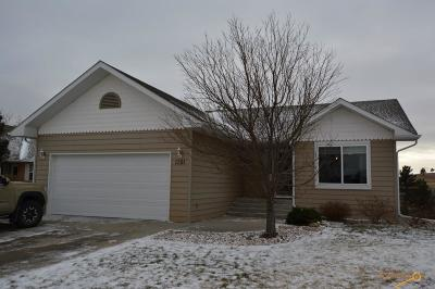 Rapid City Single Family Home For Sale: 1351 Edinborough Dr