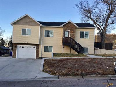 Rapid City Single Family Home For Sale: 704 St James