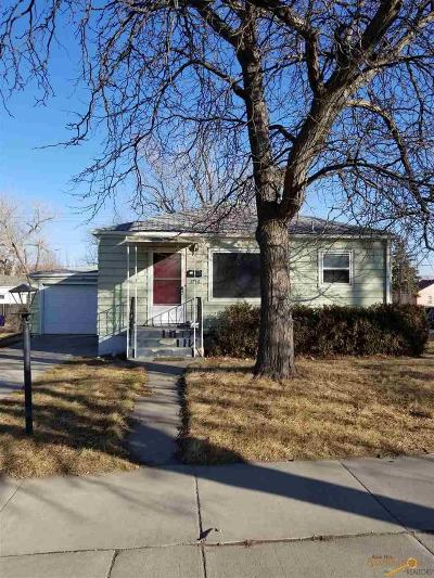 Single Family Home For Sale: 1710 5th St