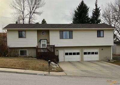 Rapid City Single Family Home For Sale: 3203 Meadowbrook Dr