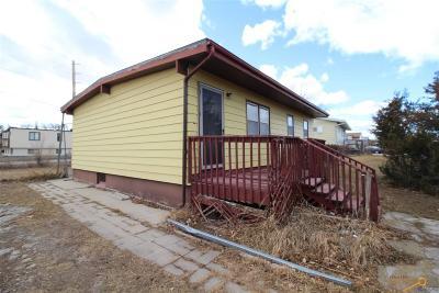 Rapid City, Box Elder, Piedmont, Black Hawk, Hermosa, Summerset, New Underwood Single Family Home U/C Contingency: 1125 E St Francis