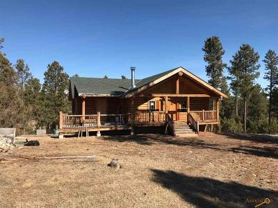 Hermosa Single Family Home U/C Contingency: 24554 Saddleback Dr